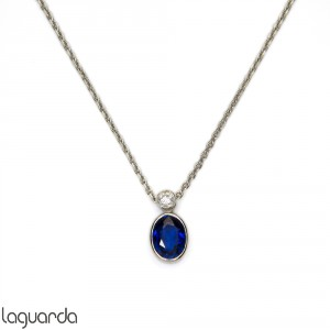 Pendant in 18k white gold with sapphire and diamonds