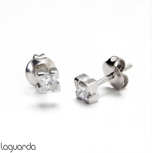 Pendientes de oro blanco con diamante natural