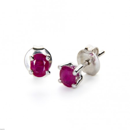 Earrings in white gold with ruby