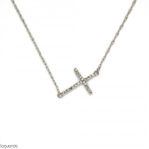 Cross pendant in 18k white gold with diamonds