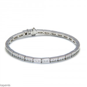 Riviere of white gold with 84 natural diamonds
