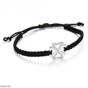 Macrame bracelet with white gold clover and natural diamonds