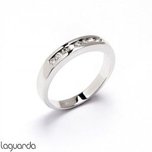 Wedding ring with white gold and 8 natural diamonds