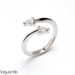 White Gold ring with 2 natural diamonds size knob